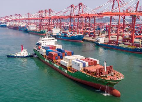 China's total foreign trade volume up 6.5% in July